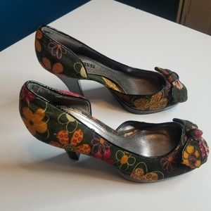 Unlisted by Kenneth  Cole Flower Heels